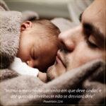 versículos dia dos pais com imagem de pa e filho